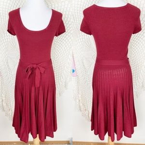 Bcbgmaxazria red knit pleated midi dress small